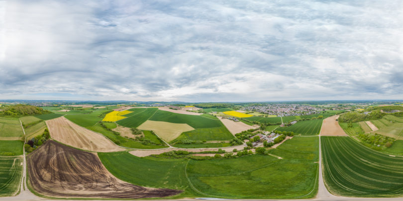 Reiseführer Deutschland - Hier eine Luftaufnahme der Region Darmstadt, Roßdorf, Hessen